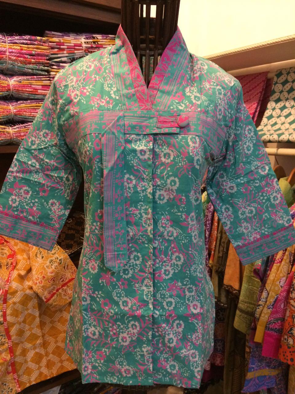blus batik cap model terbaru