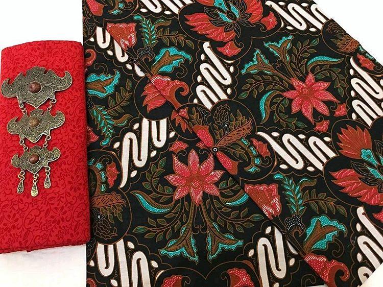 kain batik motif jokowi