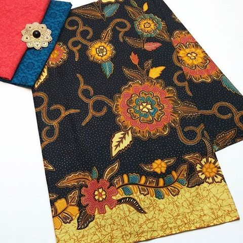 kain batik pekalongan warna hitam kombinasi embos