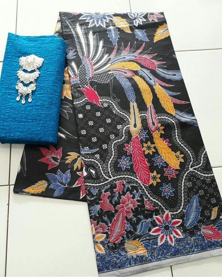 kain batik printing warna hitam kombinasi embos warna biru