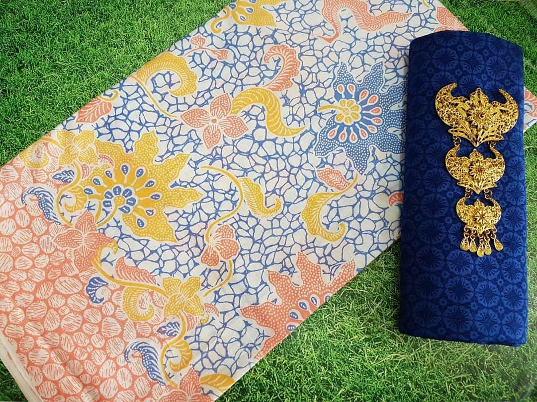 kain batik pekalongan warna soft pastel kombinasi embos