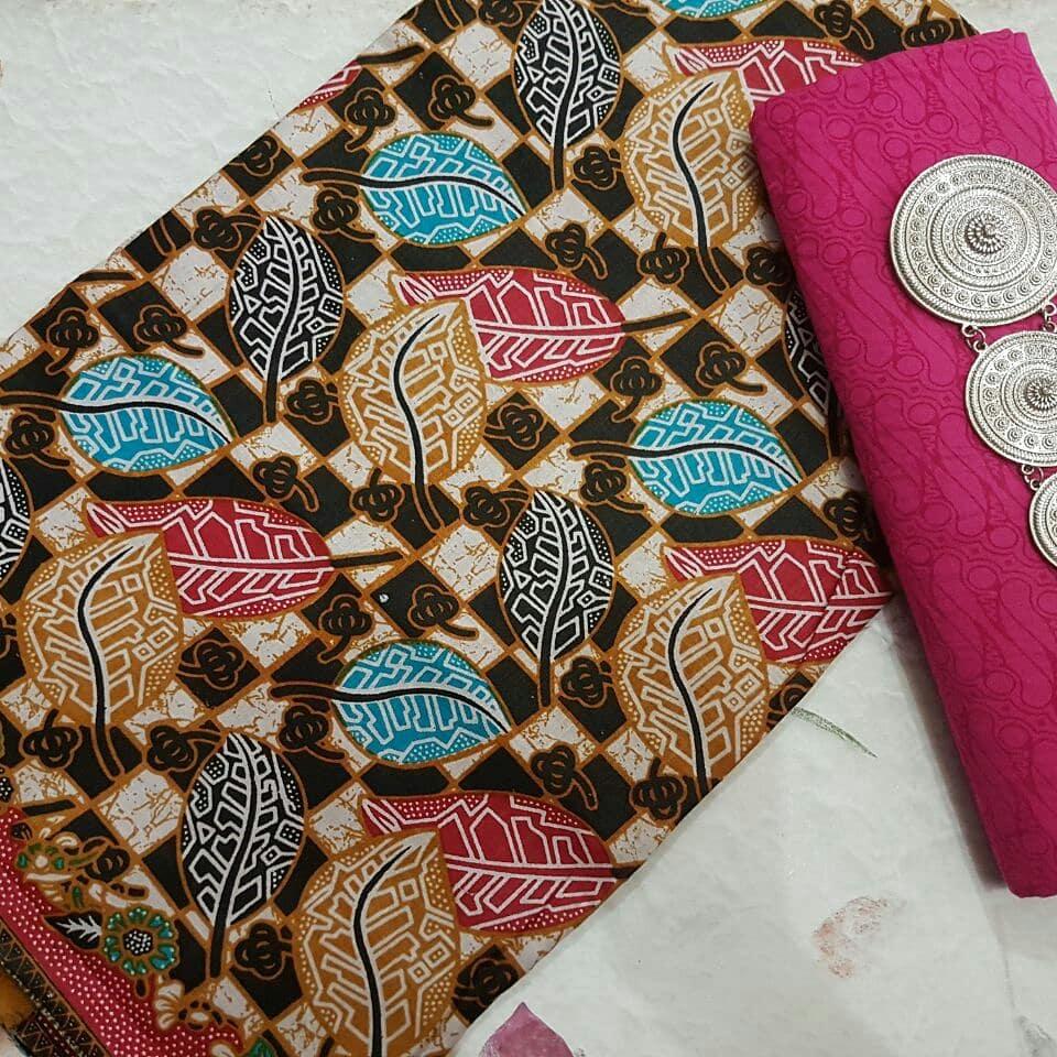 Kain Batik Pekalongan – Batik Printing Warna Dasar Hitam Motif Daun – 2018-P2.3