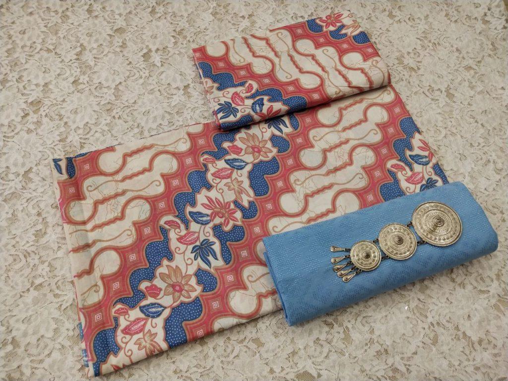 Kain Batik Pekalongan – Batik Katun Motif Parang Warna Soft Pastel Kombinasi Embos – P3-1