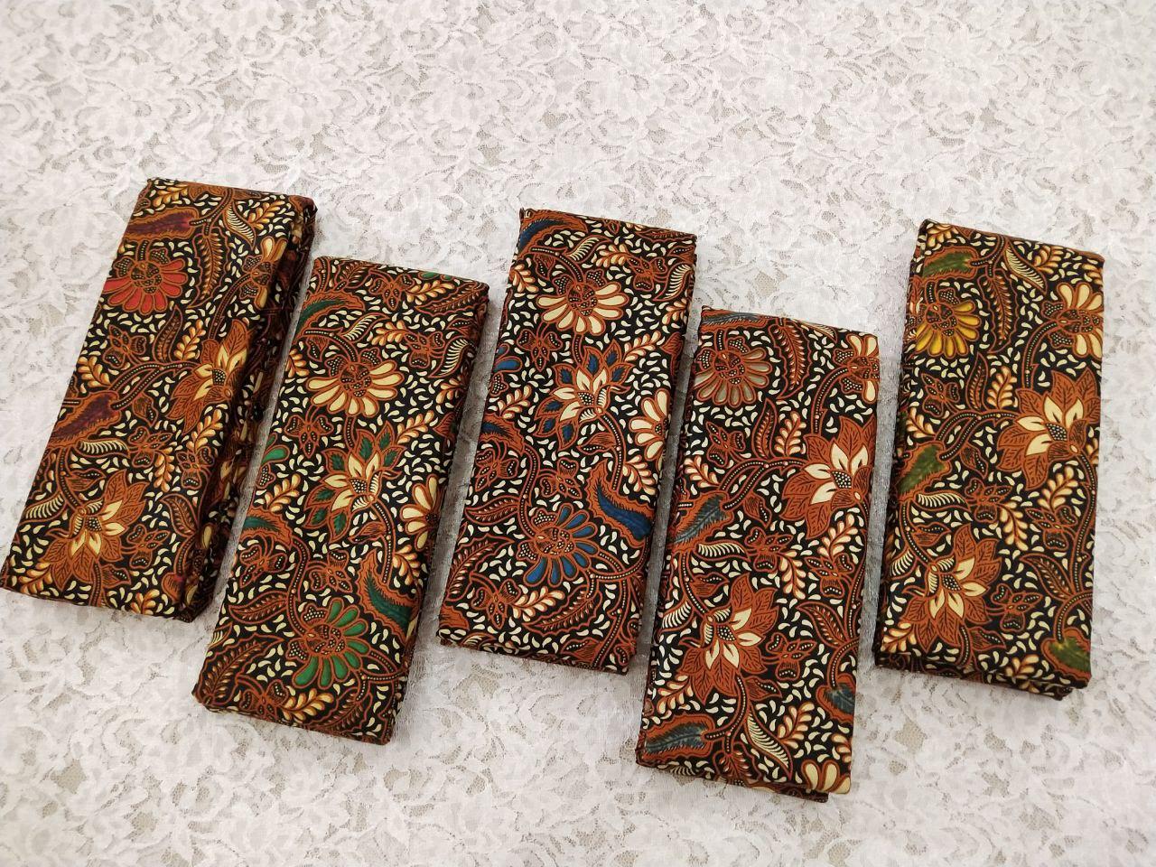 pilihan batik sogan warna coklat
