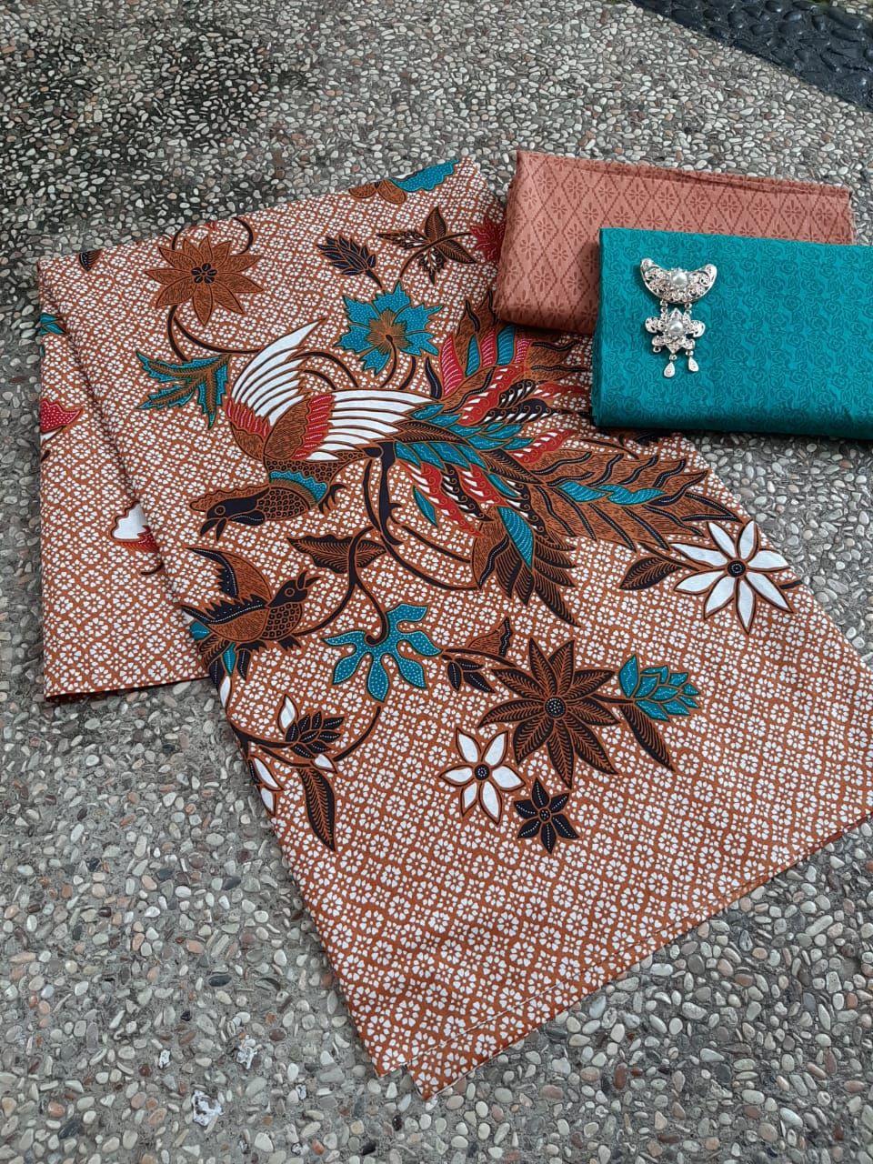 kain batik warna coklat motif burung