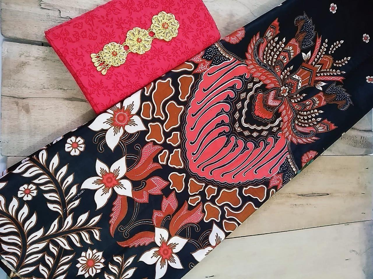 kain batik pekalongan motif gunungan watu warna hitam kombinasi merah